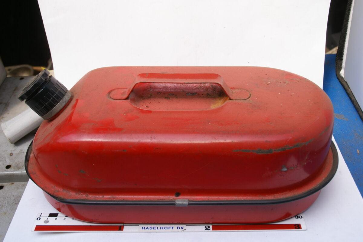 brandstoftank vintage 160421-4262-0