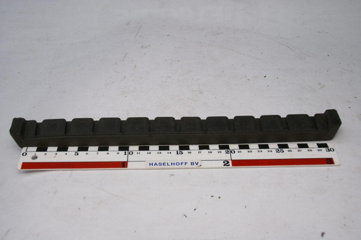 dashboard strip 160425-4363-0