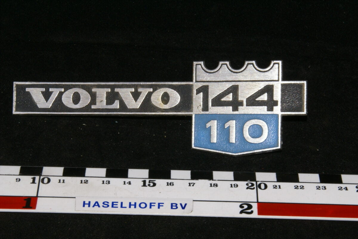 spatbord embleem Volvo144/110 141100-0401-0