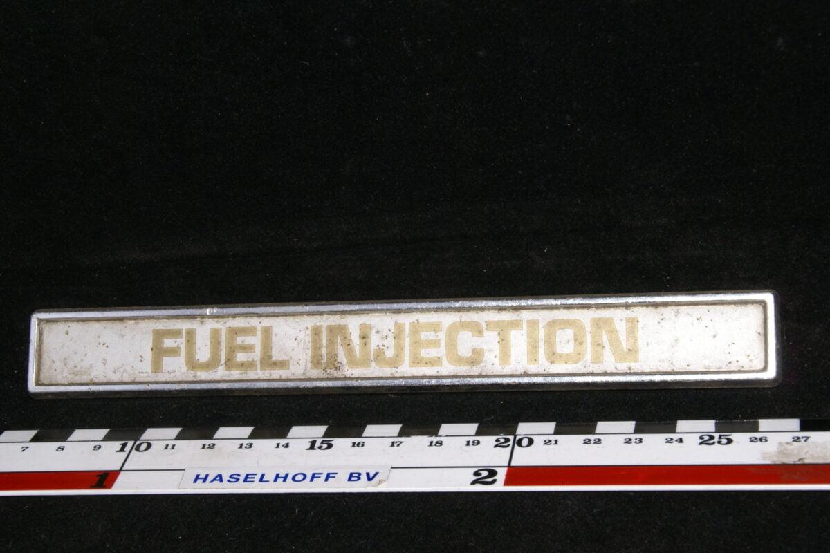 koffer embleem FUEL INJECTION 141100-0423-0