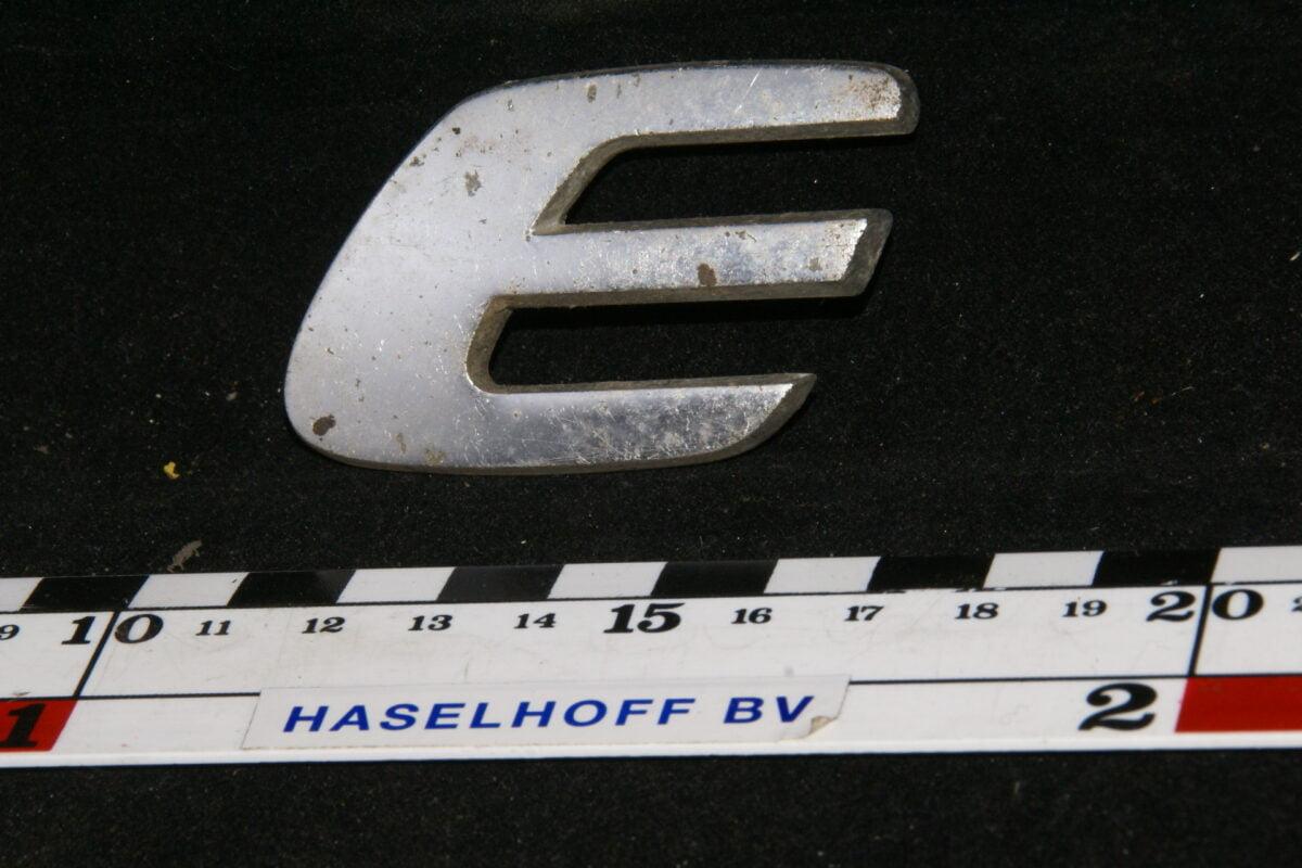 achter embleem E 141100-0449-0
