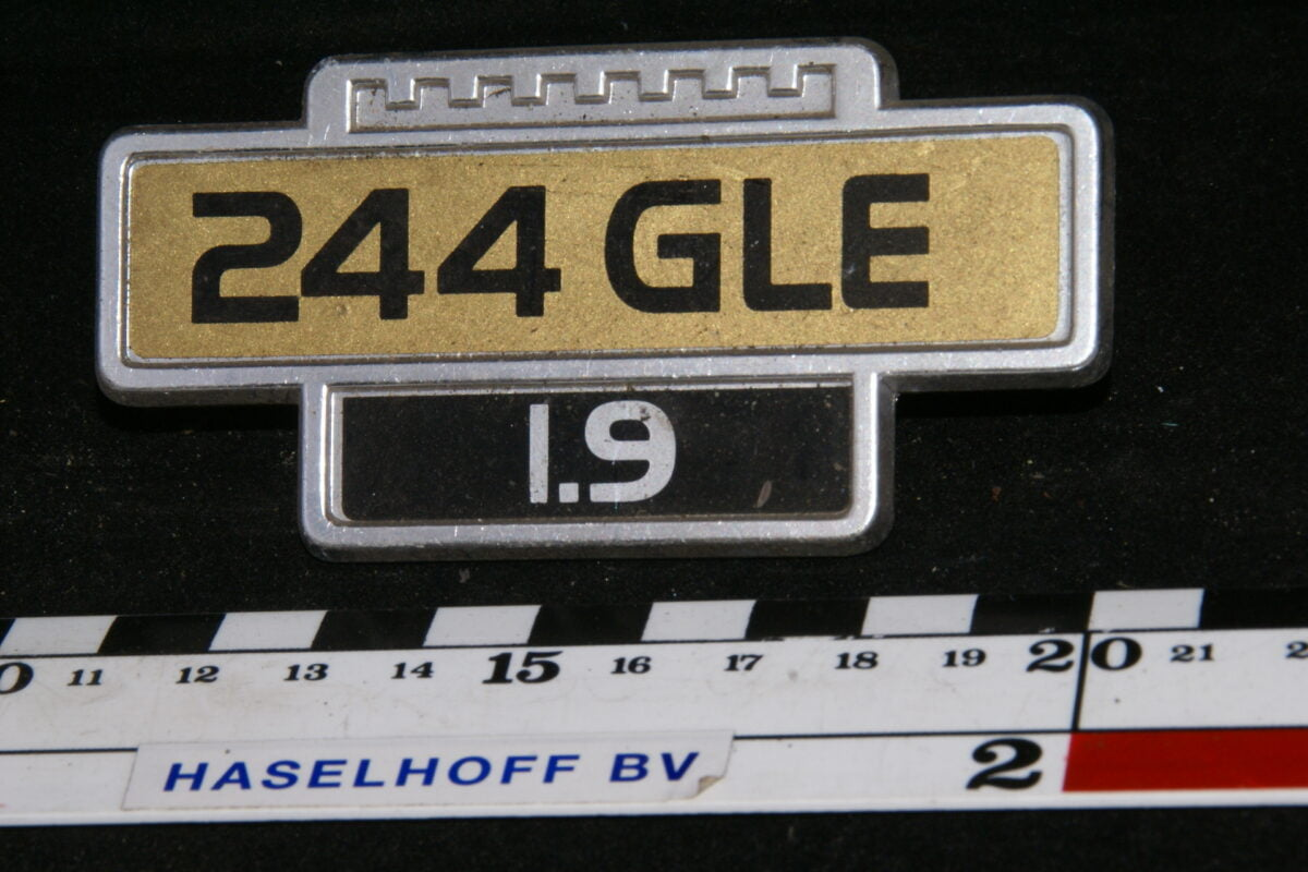 spatbord embleem 244GLE/1.9 141100-0506-0