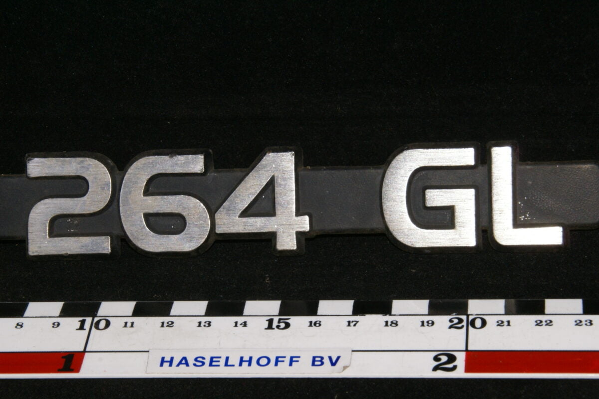 embleem kofferdeksel 264GL 141100-0534-0