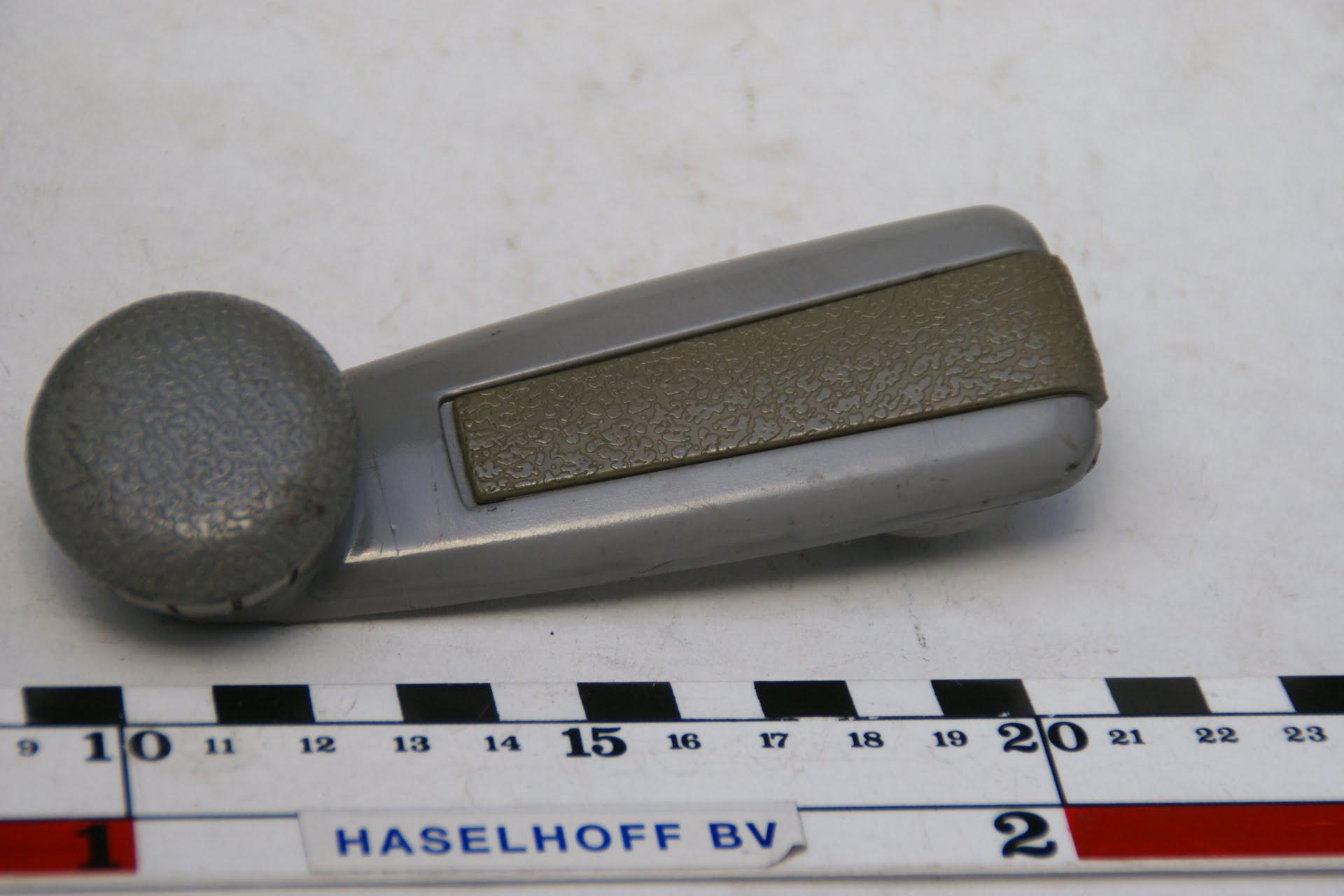 raamzwengel grijs 160229-3473-0