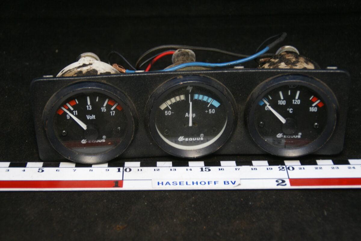 paneel met 3 klokjes 160302-3504-0