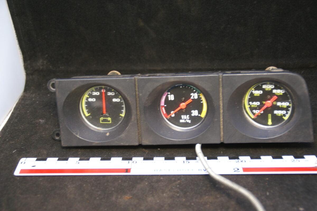 paneel met 3 klokjes 160302-3505-0