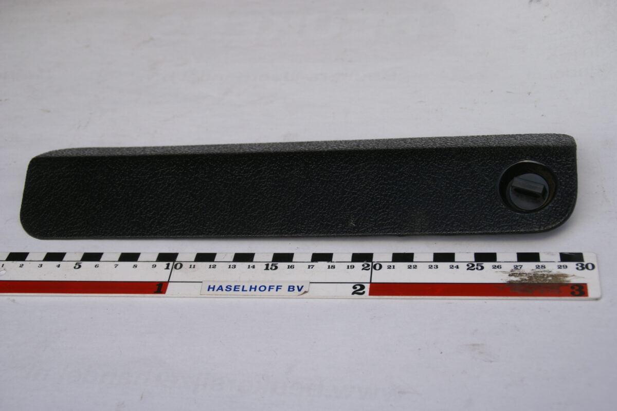 zekeringdeksel zwart met sluiting 160307-3596-0