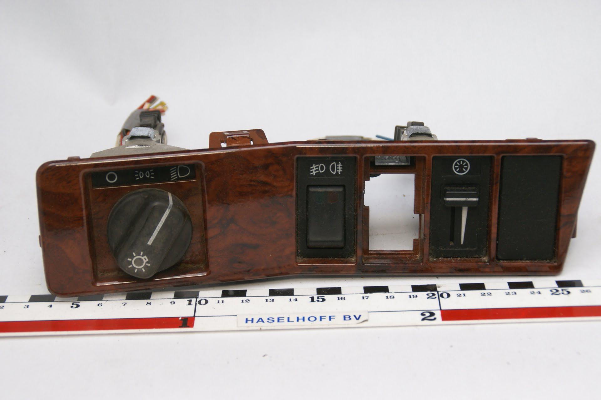 dashboard paneel met houtlook 160525-4730-0