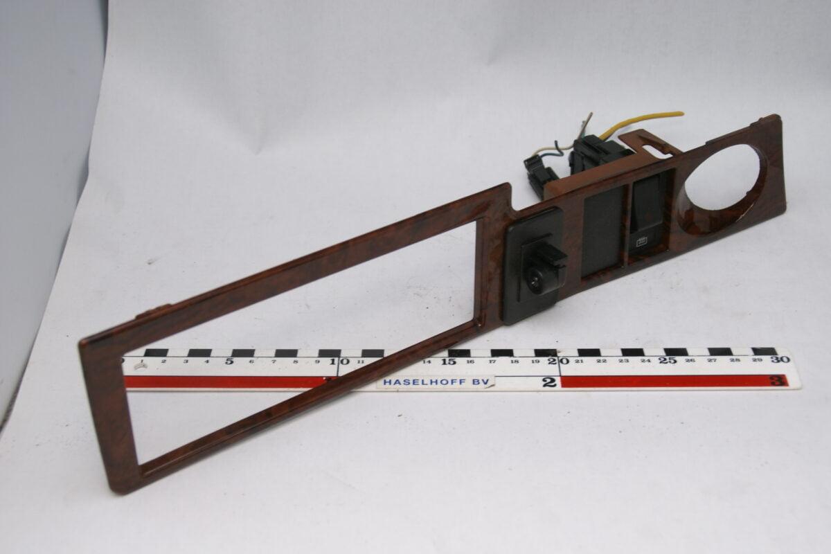 dashboard paneel met houtlook 160525-4731-0