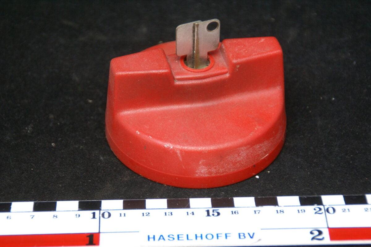 afsluitbare benzinedop rood met sleutel 160411-3922-0