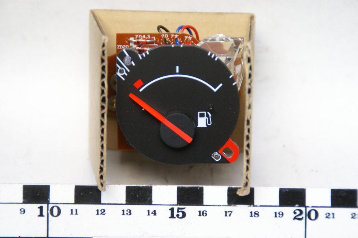 brandstofmeter inbouw NOS in doos 160411-3956-0