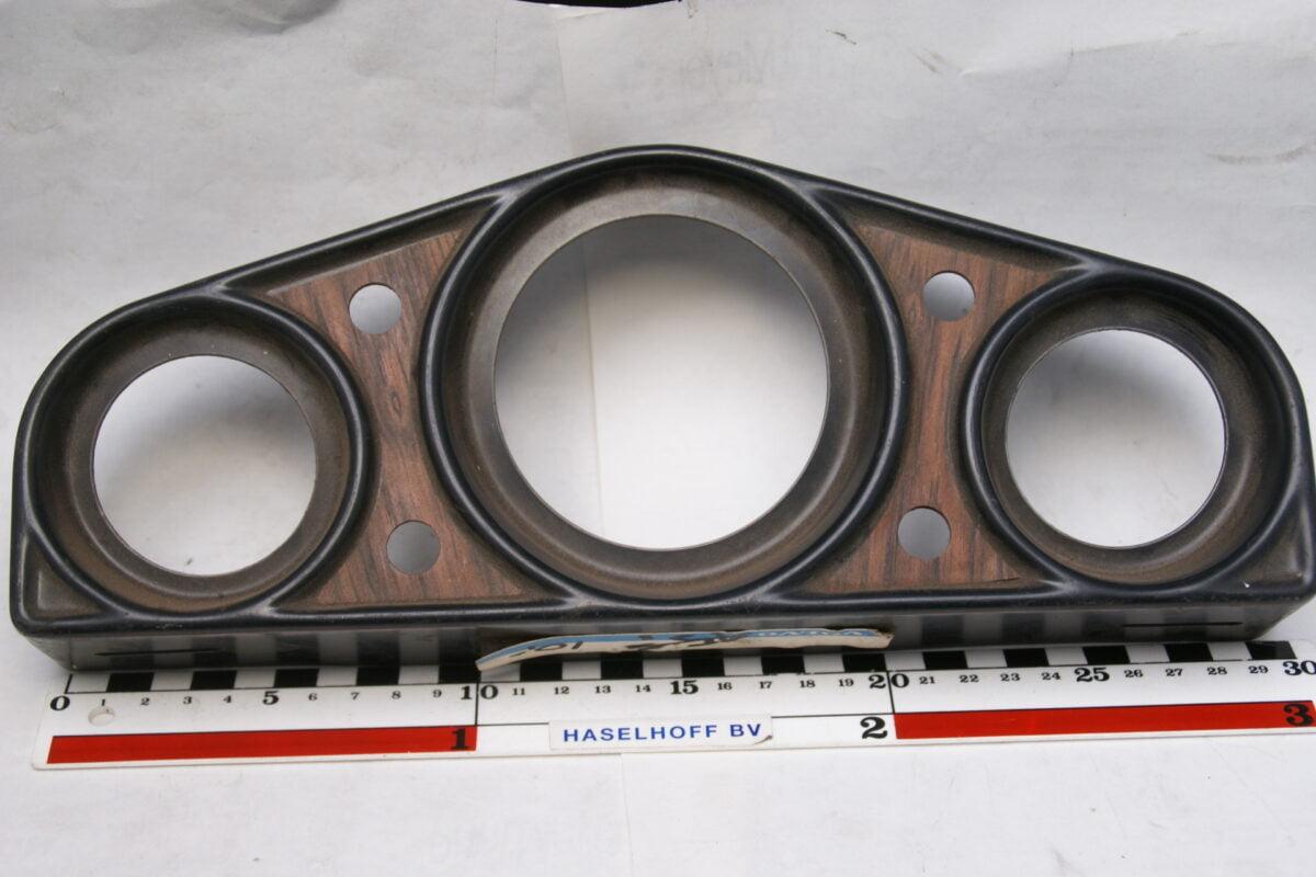 paneeltje zwartmet houtlook voor montage 3 klokjes en 4 schakelaars 160413-4019-0