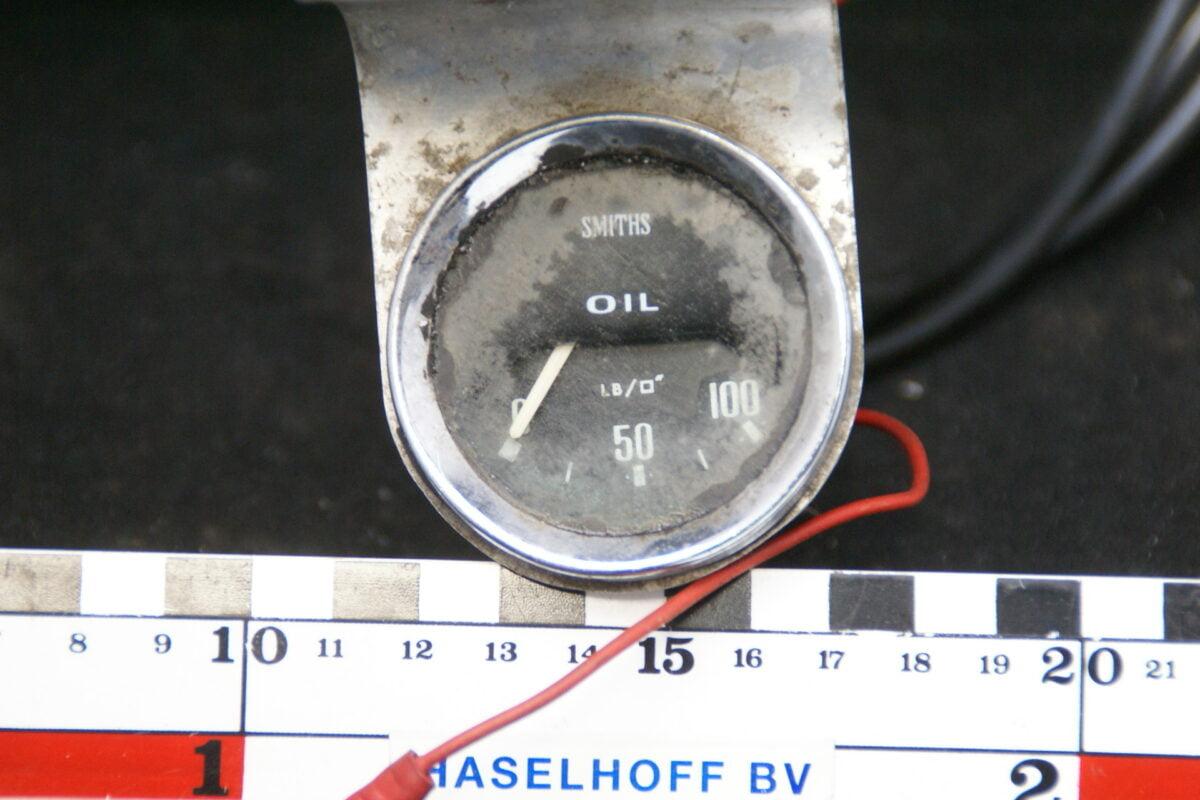 chroom paneel met SMITHS oliedrukmeter met glas en chroomrand 160413-4045-0