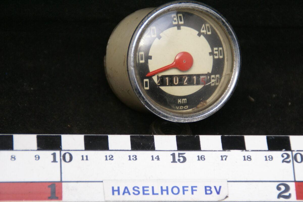 VDO snelheidsmeter met telwerk met glas en chroomrand ca 52mm 160413-4061-0