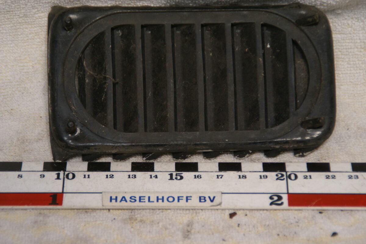 luchtrooster achterzijkant 180704-5903-0