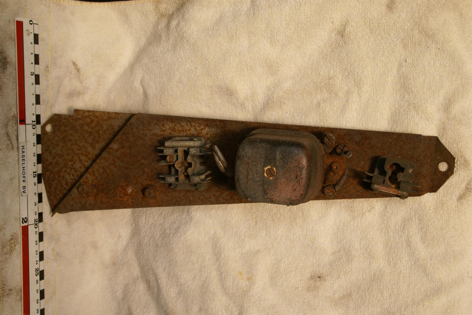 relaisplaat motorruimte met zekeringhouder 180704-5934-0