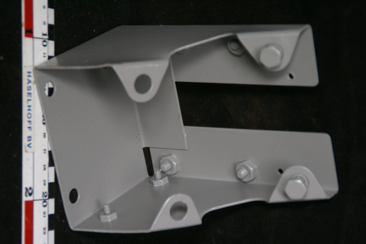 gepoedercoate houder ruitensproeierpomp 180709-5951-0