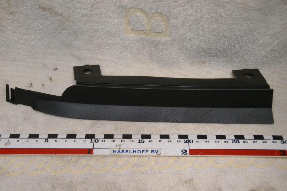 dichtingsplaat tussen koplamp en bumper links 3203344-0