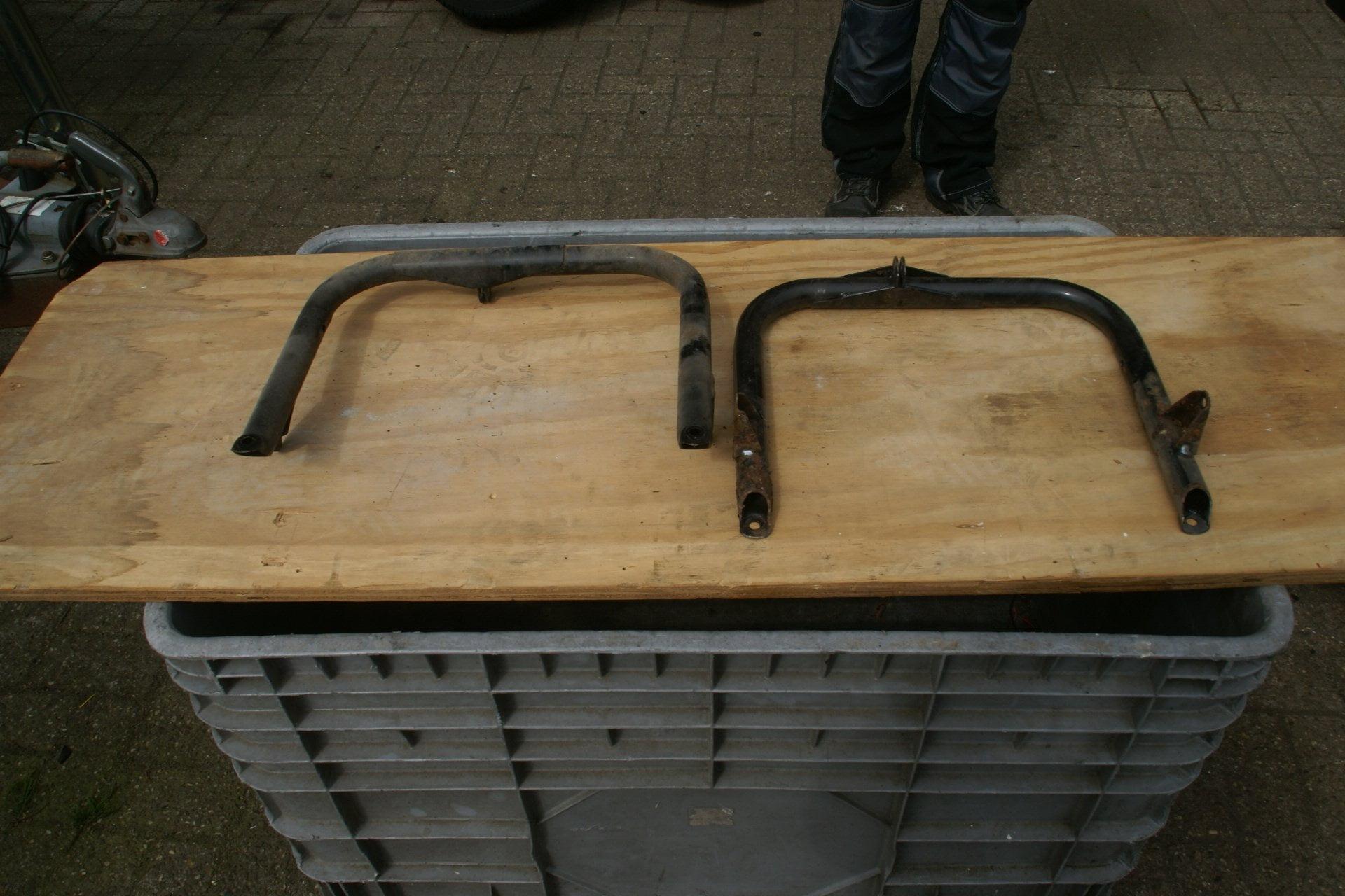 9017-stoelbeugel Volvo 140 142 145