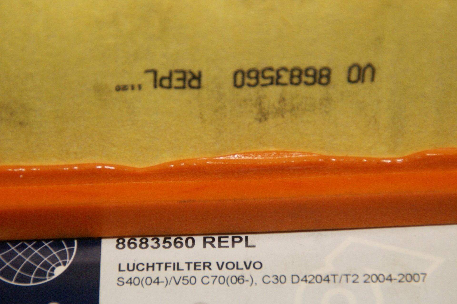 DSC00050 luchtfilter Volvo 8683560