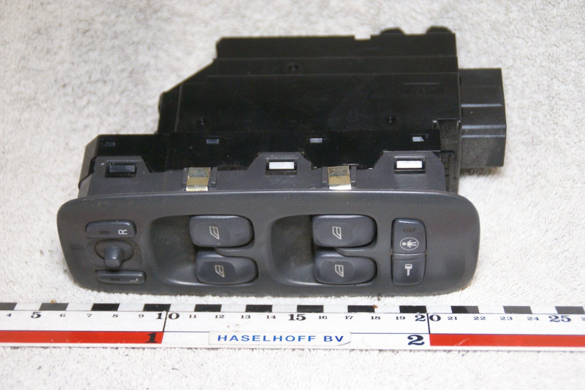 DSC07227 raamschakelaars links 7923 Volvo S V 70