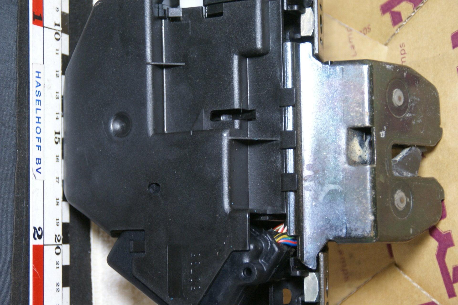 DSC00025 slot achterklep Volvo S70 V70 XC70 -97