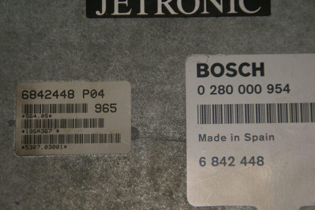 DSC00350 ecu Bosch Jetronic AY Volvo 240 740 940 B230 FT, FK