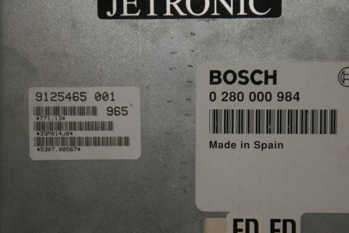 DSC00354 ecu BOSCH Jetronic  FD Volvo B230ET