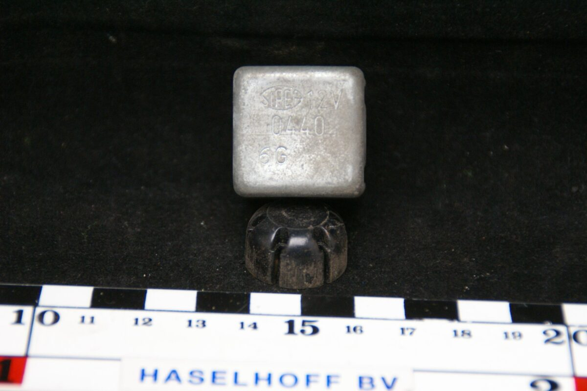 DSC00938 relais  Volvo 0440
