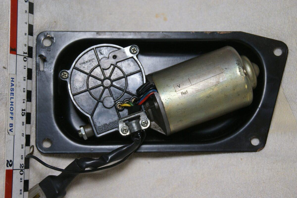 DSC00503 Volvo 92053 12V motor