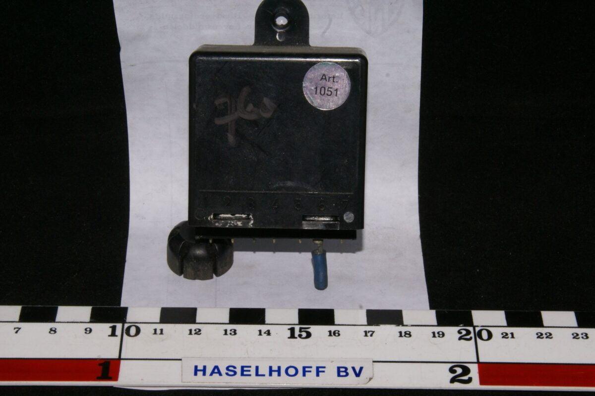 DSC00946 relais Volvo 760 1051