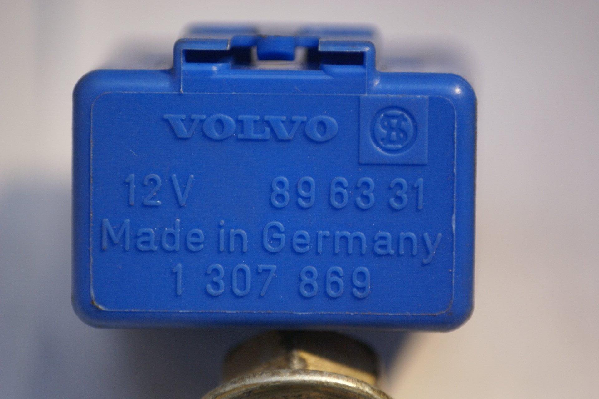 DSC00978 relais Volvo 896331 NOS