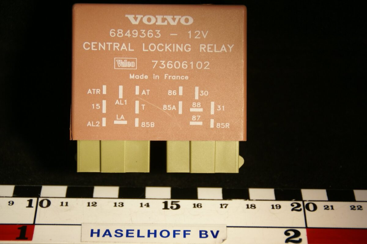 DSC00982 relais Volvo central locking 6849363 NOS