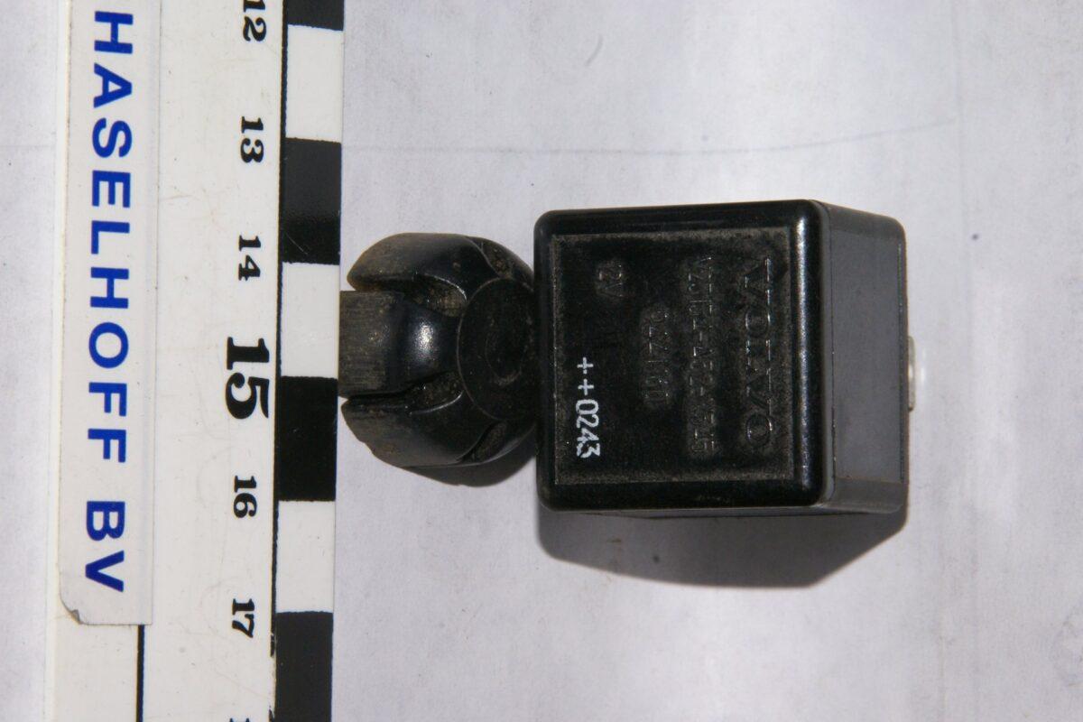 DSC01006 relais Volvo 9441160