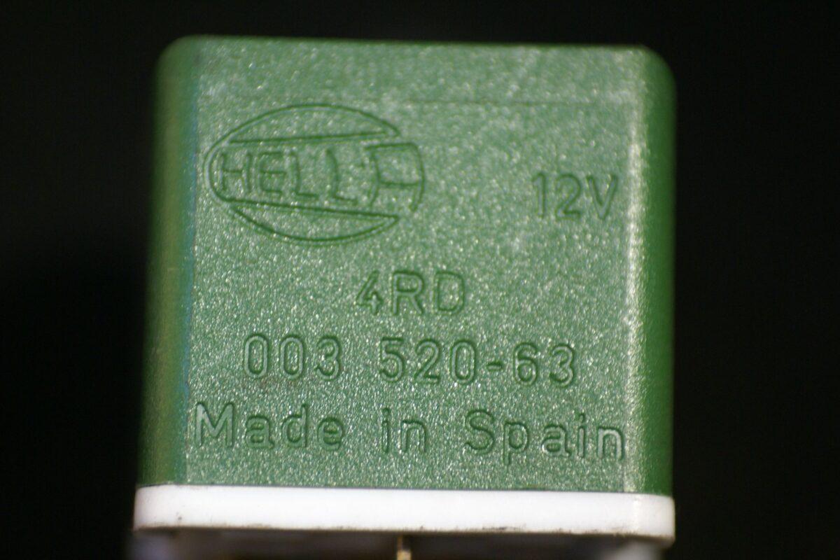 DSC01010 relais Volvo 9162250