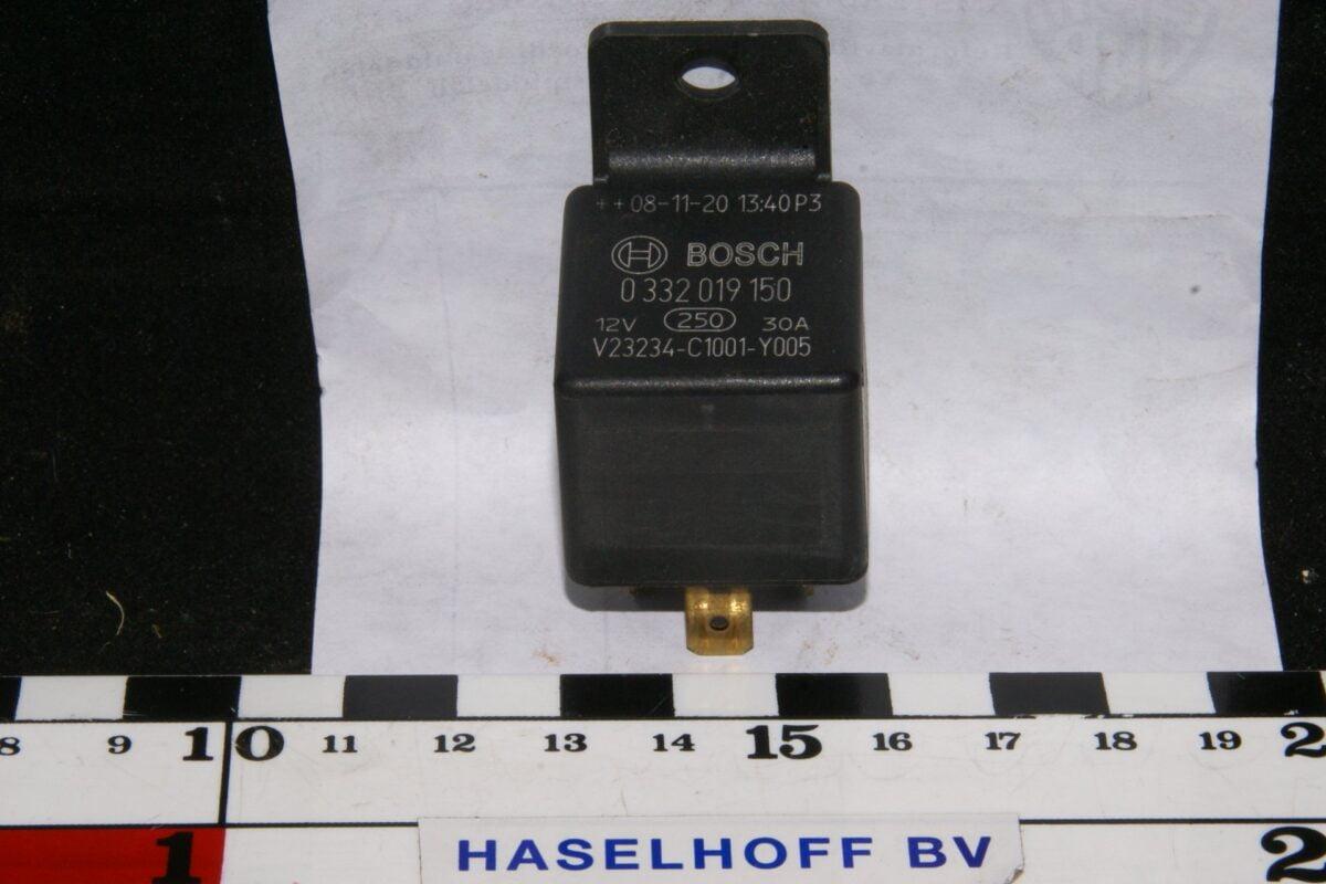 DSC01050 relais Bosch 0332019150