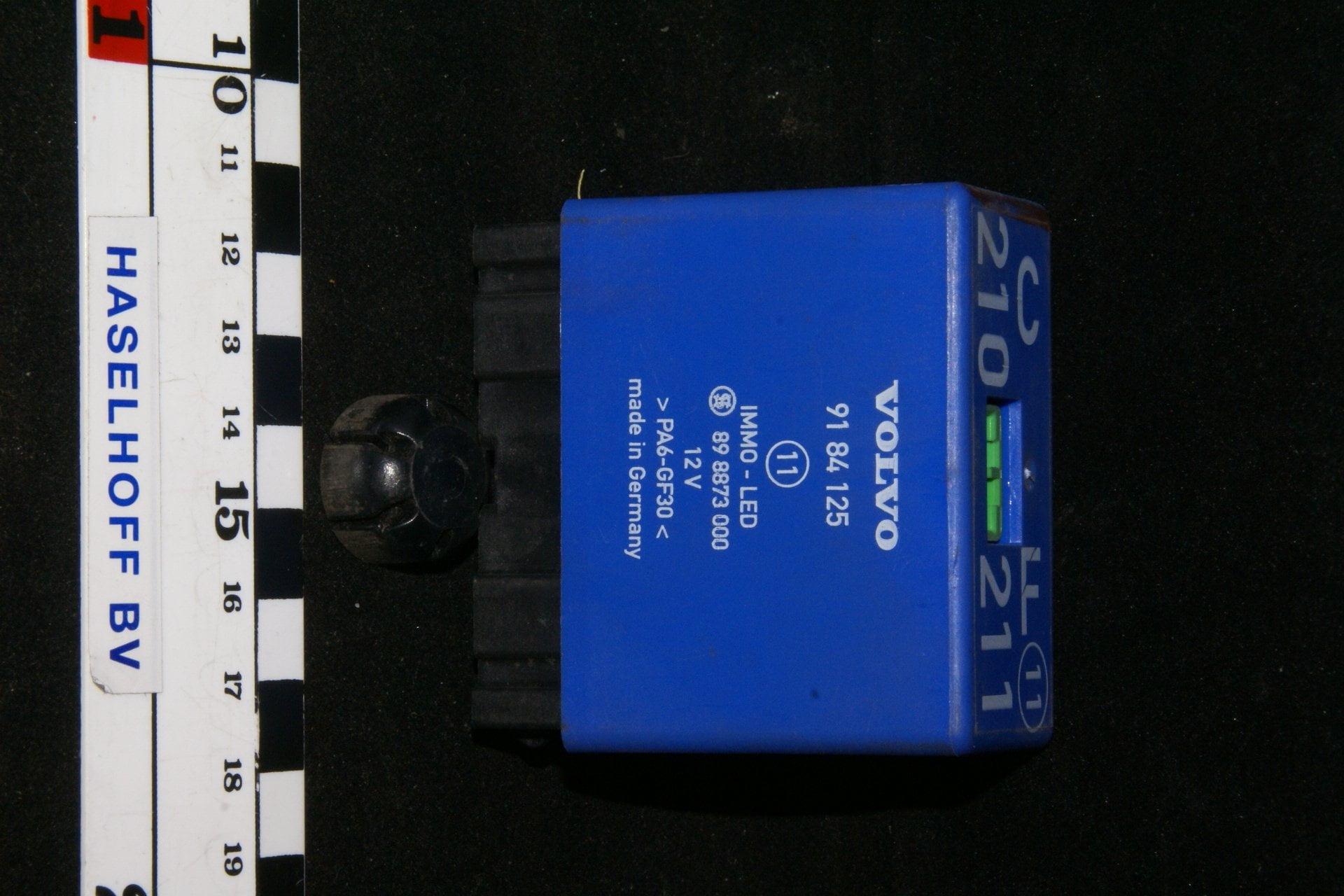 DSC01062 relais Volvo CF 9184125