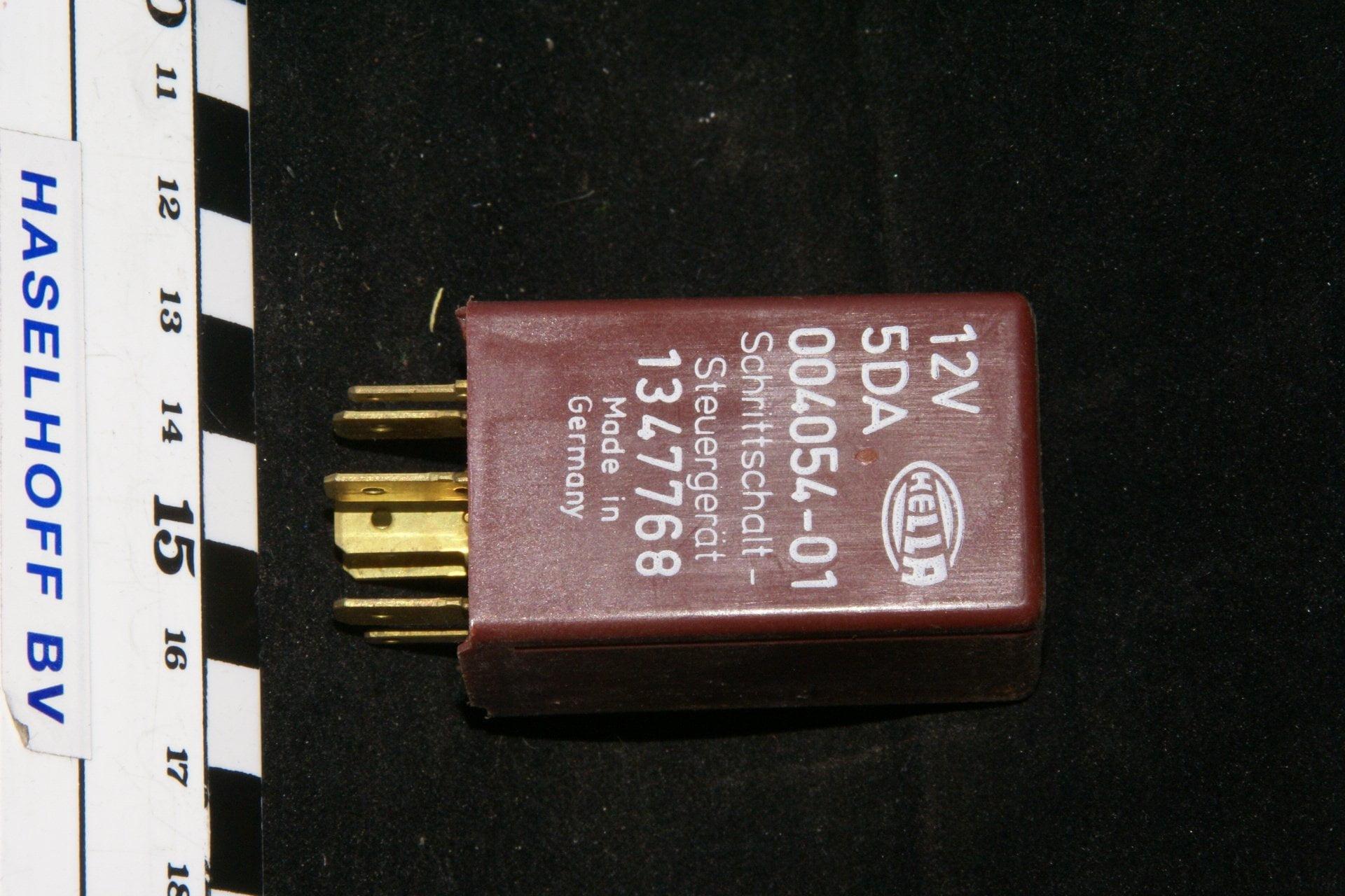 DSC01095 relais Volvo 1347768