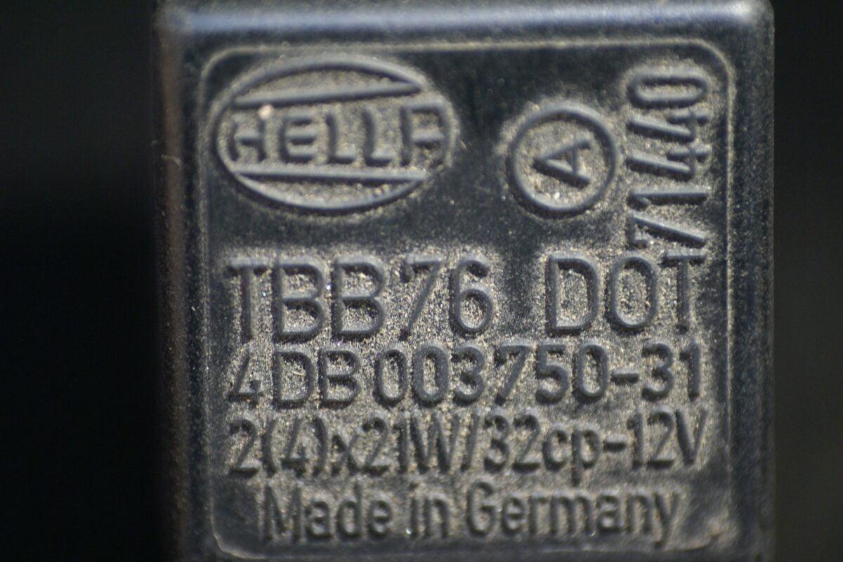 DSC01100 relasi Volvo HELLA 4DB 003750-05