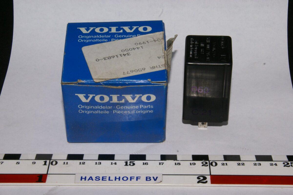 DSC01107 relais Volvo 144050 NOS