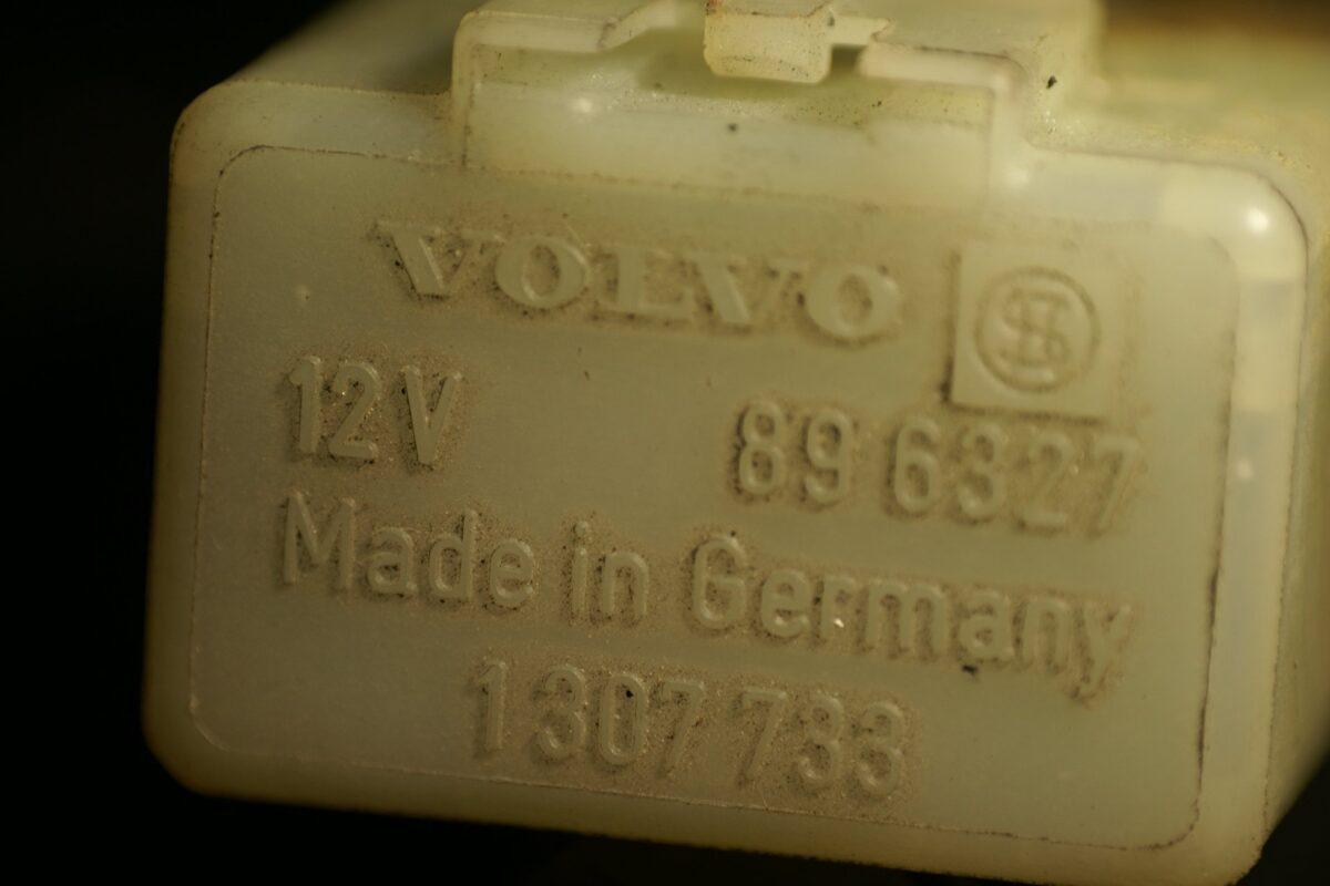 DSC01114 relais Volvo 896927