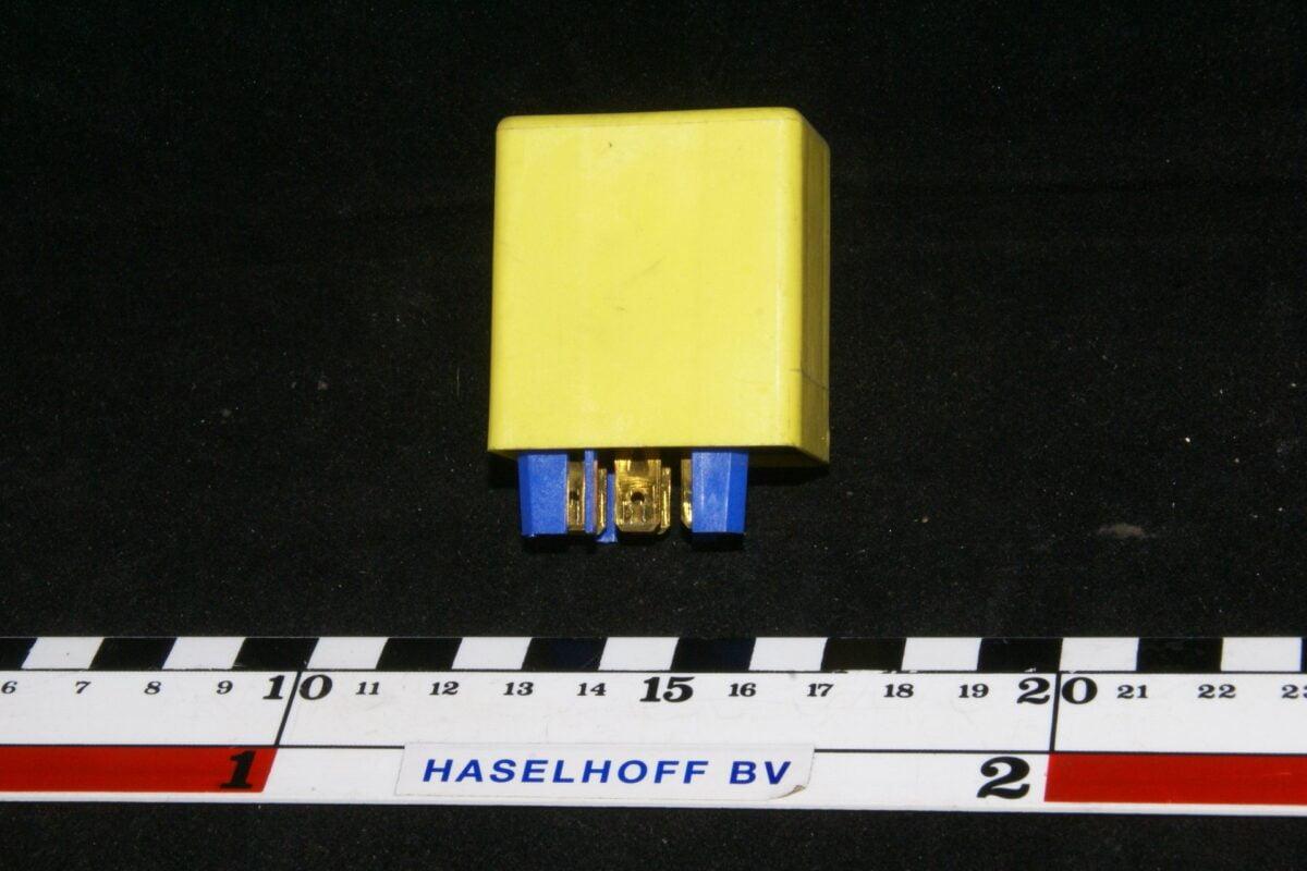 DSC01138 relais Volvo 3523611