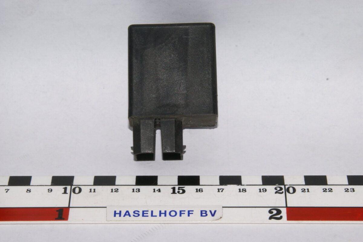 DSC01153 relais Volvo 899931