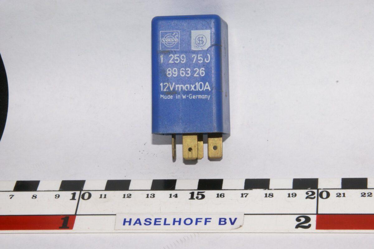 DSC01170 relais Volvo 1259750 896326 blauw