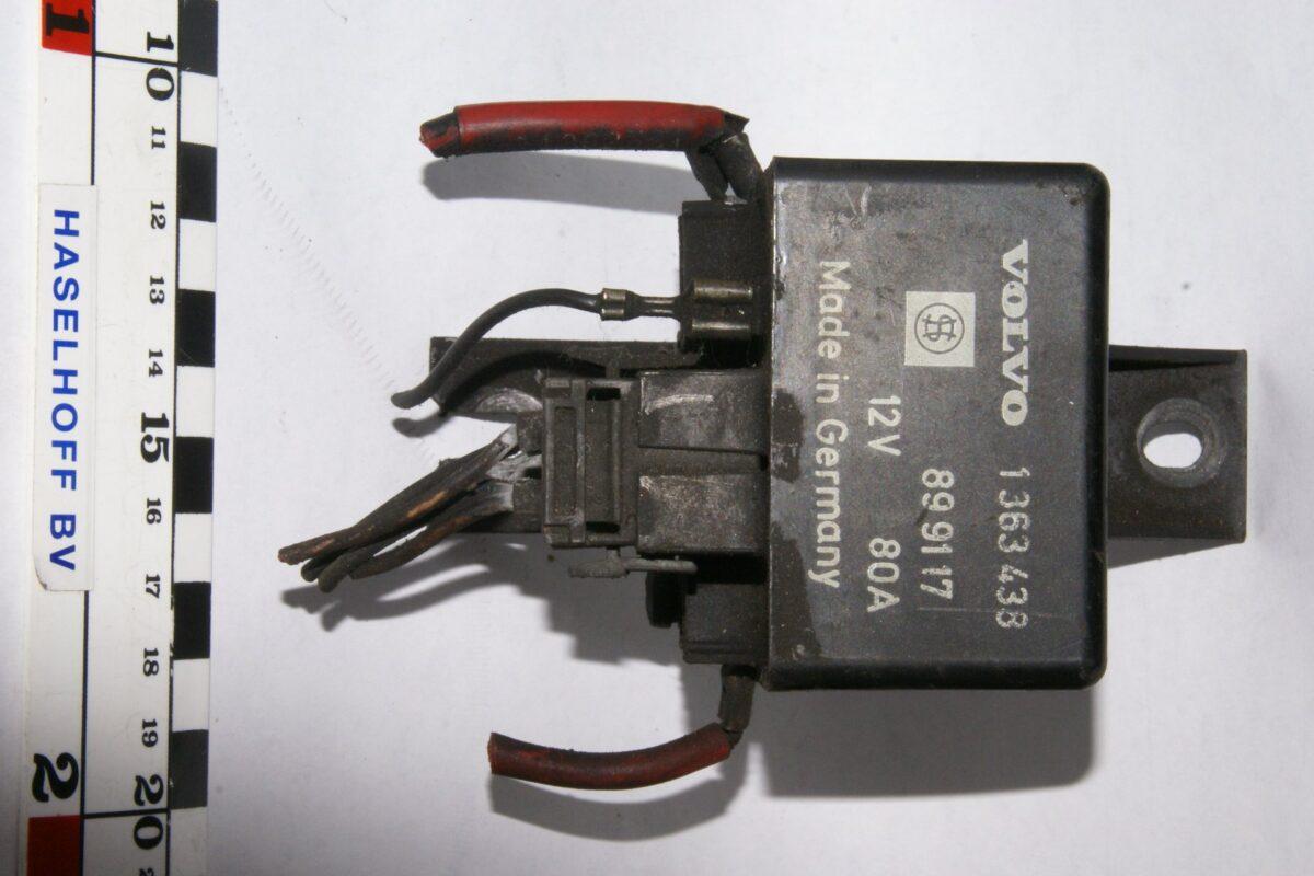 DSC01179 relais Volvo 1363438 899117