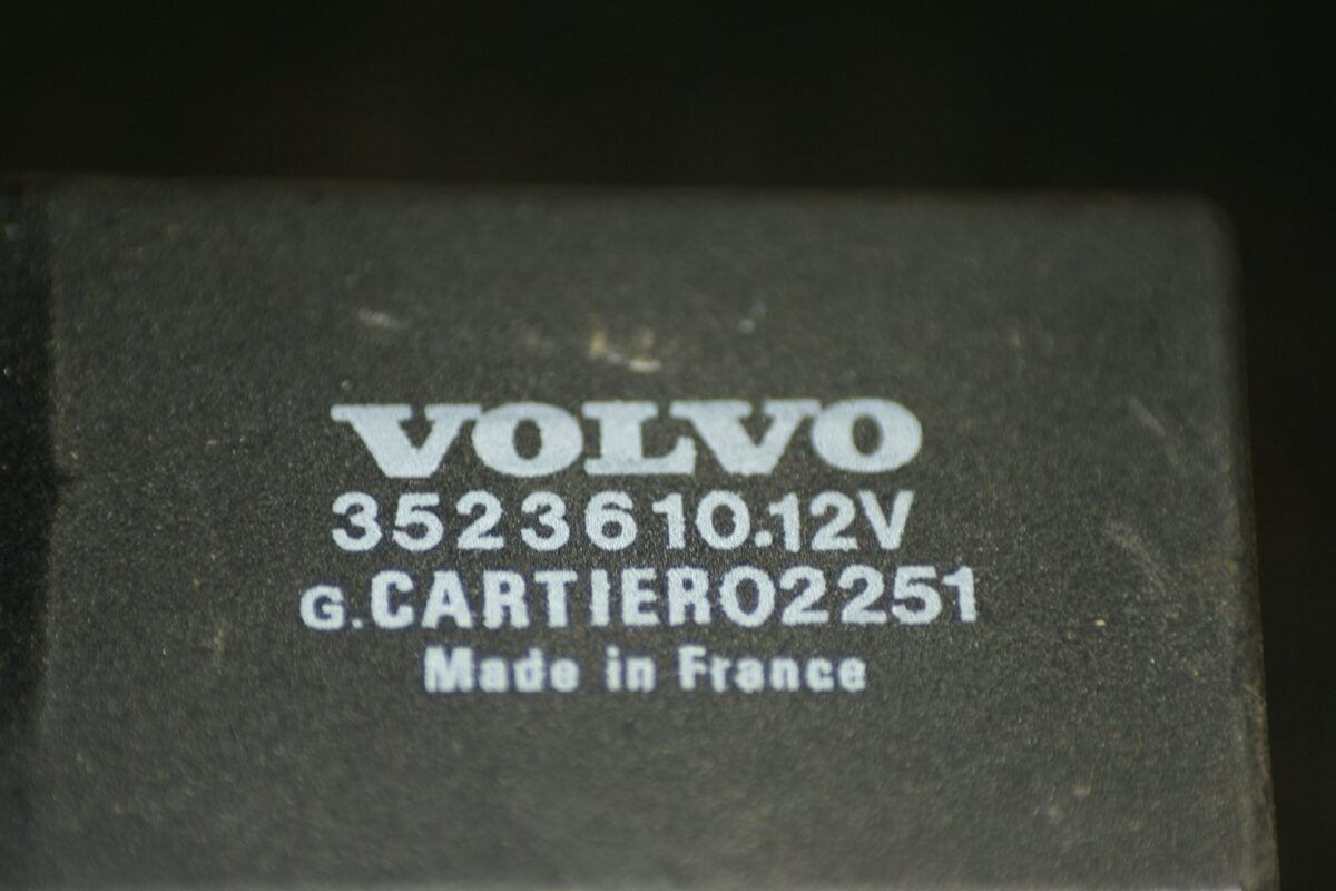 DSC01221 relais Volvo 3523610