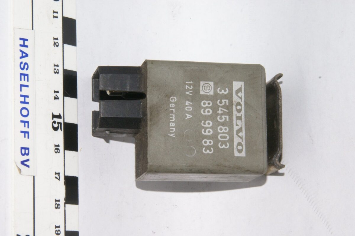 DSC01232 relais Volvo 3545803 899983