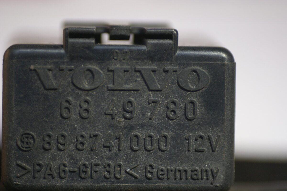DSC01233  relais Volvo 6849780