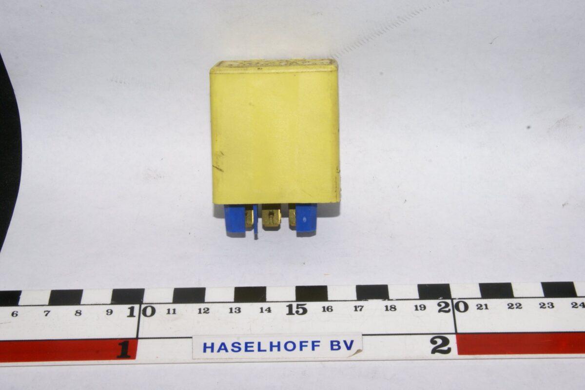 DSC01236 relais Volvo 898742000