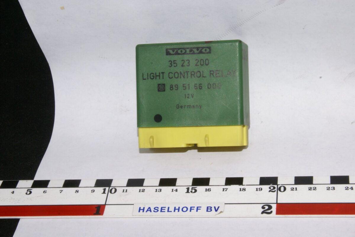 DSC01242 relais Volvo 3523200 895166000